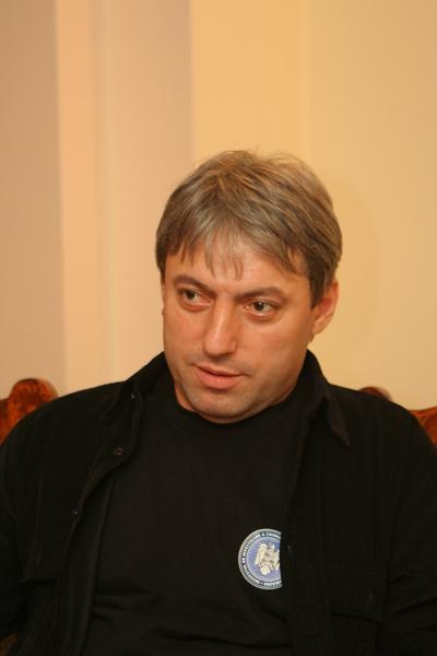 http://www.observatorcultural.ro/userfiles/article/Marius%20Oprea%20pentru%20on-line_03021850.JPG