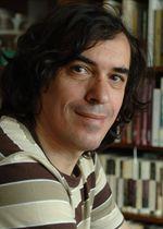"""""""Producţia literară nu e o grămadă de cărţi, ci un sistem"""""""