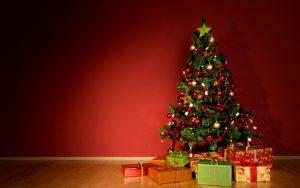 christmas-tree-with-christmas-presents